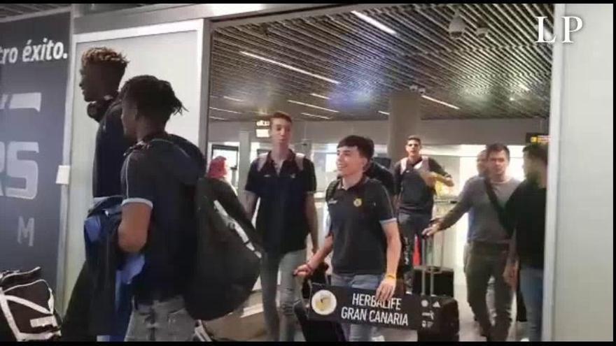 Llegada de los júniors del Herbalife Gran Canaria al aeropuerto