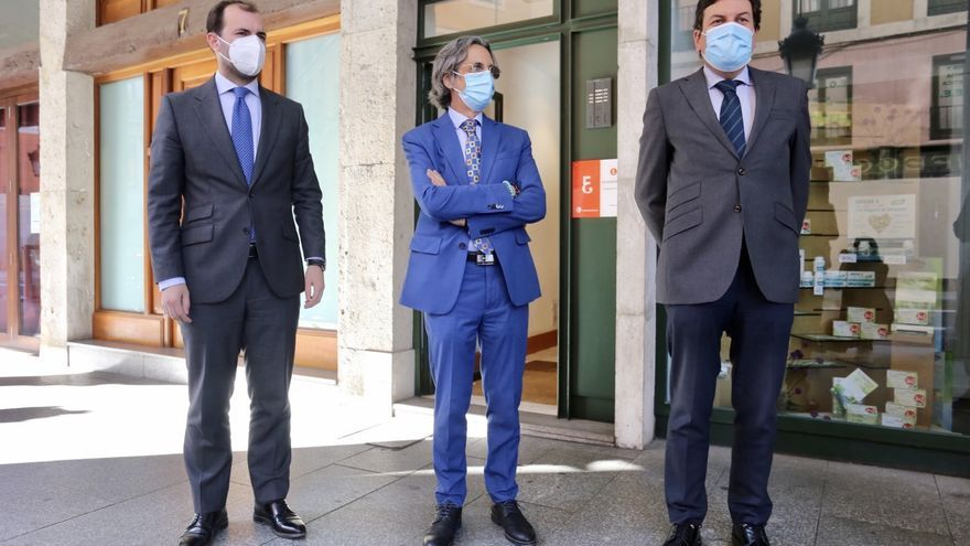 "Carriedo reprocha a Calvo que ya han repartido dinero europeo ""sin esperar a los proyectos"""