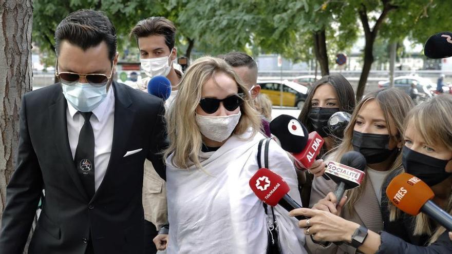 El juez prohíbe a Ángela Dobrowolski acercarse a Mainat y a sus hijos