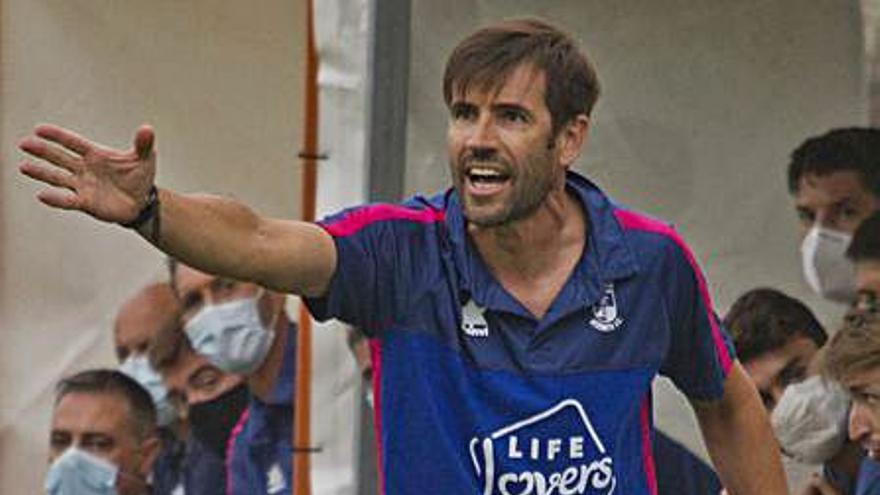 El Atzeneta se sitúa en la cola de la clasificación tras perder ante el Atlético Levante (3-1)