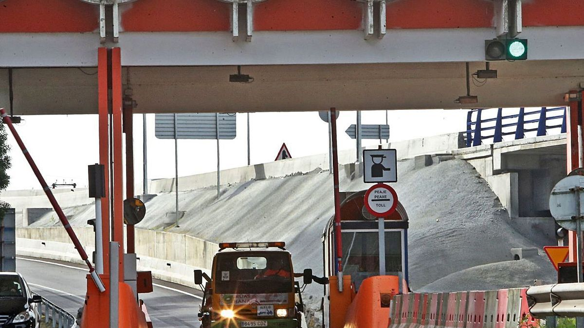 Peaje de la AP-9 entre Vigo y Redondela.
