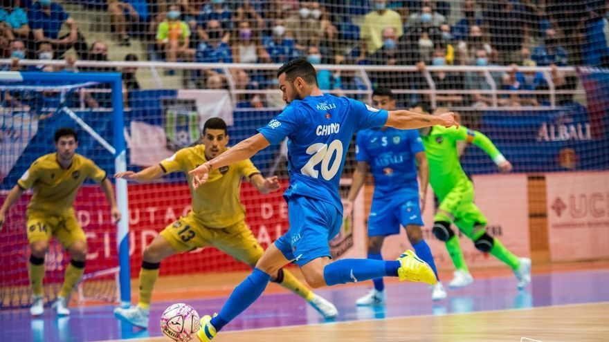 El Levante UD FS arranca la Liga cuesta arriba (3-0)