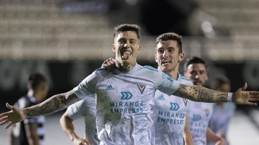 El Real Zaragoza apunta a Cristo González y Enric Gallego es inviable por ahora