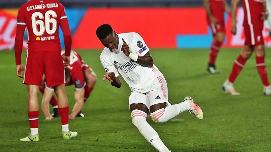 Vinicius encarrila el bitllet per a un Madrid que deixa escapar viu el Liverpool