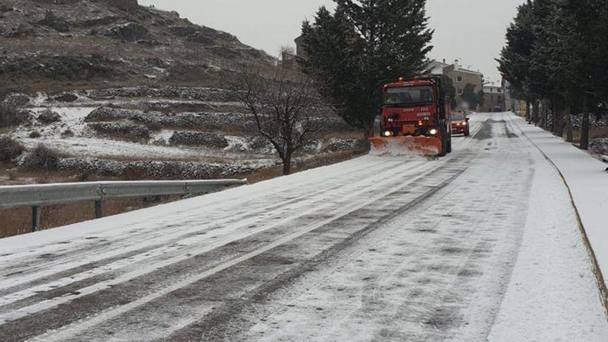 Dos carreteras de Castellón siguen cerradas y en 14 hay que usar cadenas