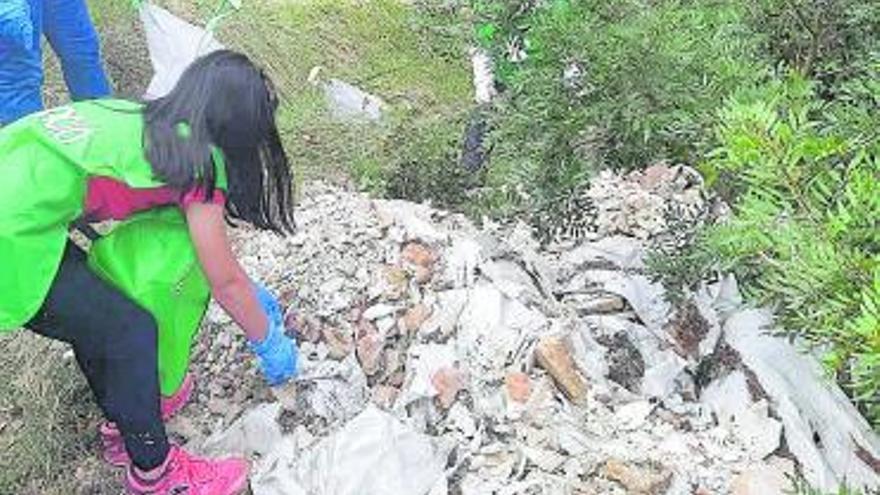 Castellolí recull més d'una tona de residus en la jornada «Let's Clean Up Europe»