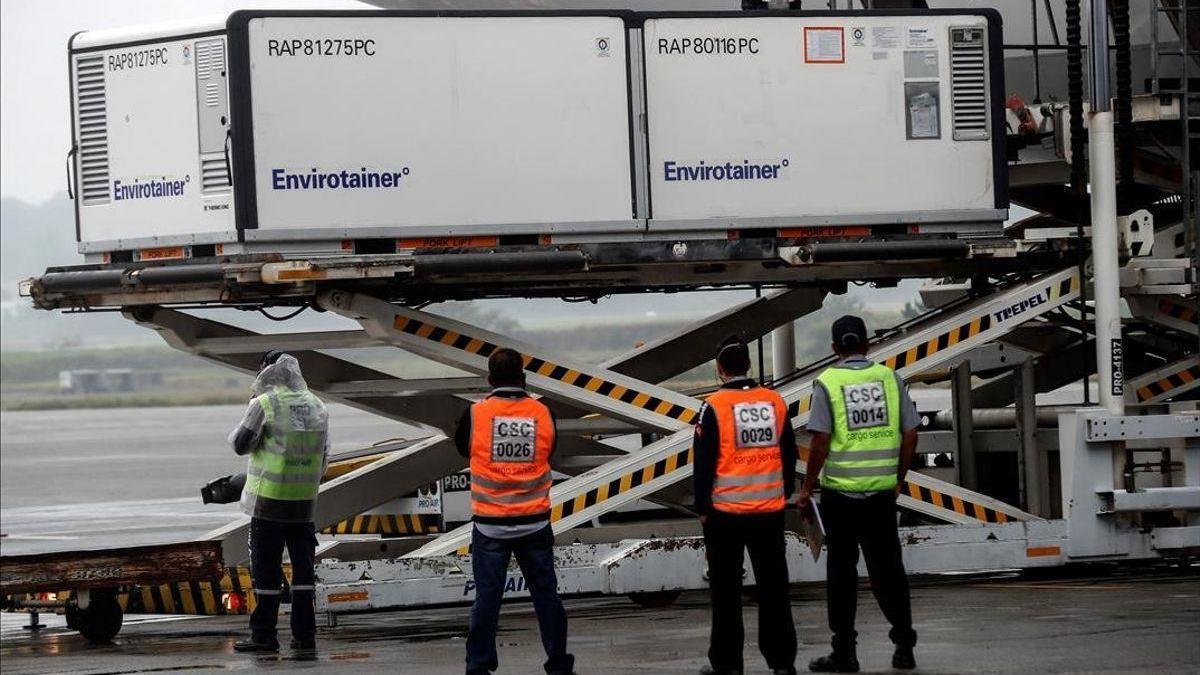 Interceptados contenedores de vacunas falsas contra el covid para distribuir en Europa
