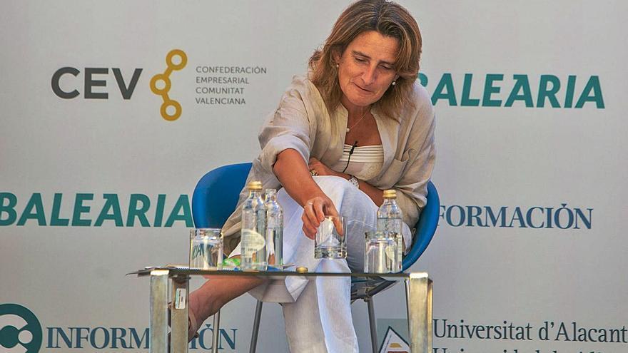 Los regantes acusan a la ministra de decir «una cosa aquí y otra en Castilla-La Mancha»