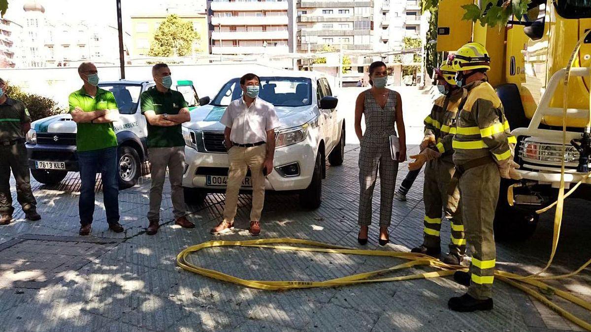 Clara San Damián pasa revista a los medios de extinción de incendios de la Junta en Zamora.