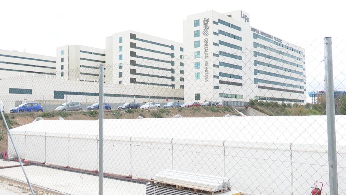 """El PP critica que """"el fiasco"""" del hospital de campaña de València no haya solicitado licencia municipal"""