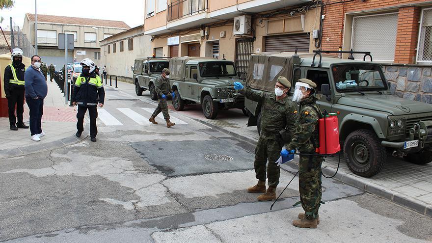 El Ejército se suma a las tareas de desinfección del covid-19 en Novelda