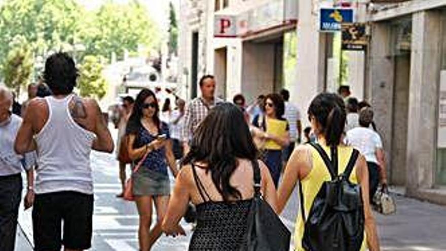 La campaña de verano generará 450 contratos indefinidos en la provincia