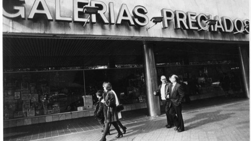 Un banco reclama 4 céntimos a un vecino de Córdoba por una compra de hace 26 años en Galerías Preciados