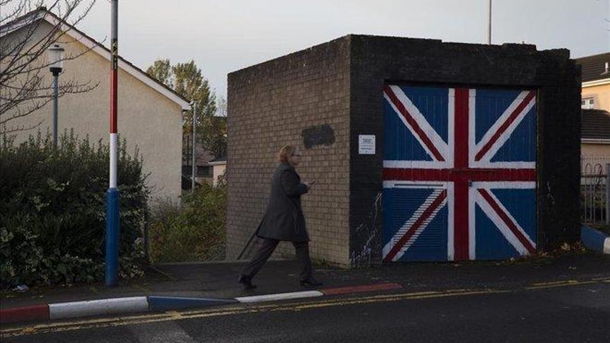Irlanda del norte vive con angustia el tortuoso desenlace del 'brexit'