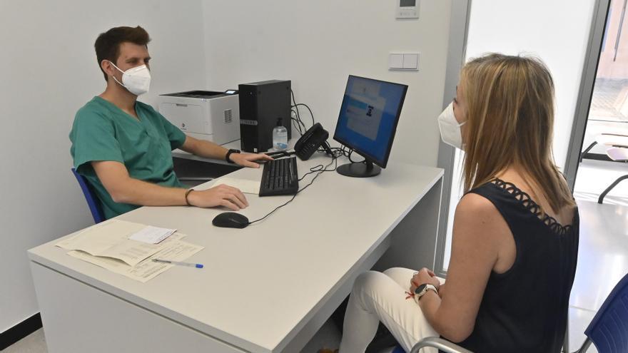 Los médicos de familia se afanan en convencer a los no vacunados en Castellón