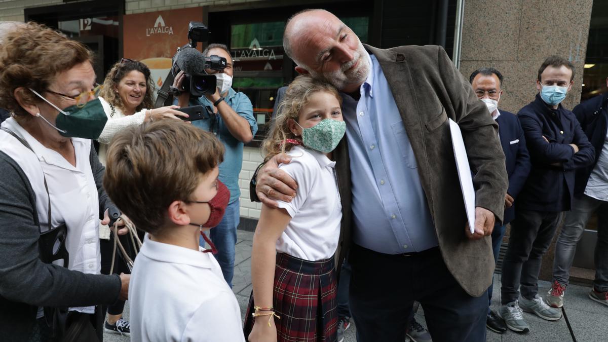 José Andrés, aclamado en Mieres, en su ruta didáctica por Asturias de la mano de los Premios Princesa