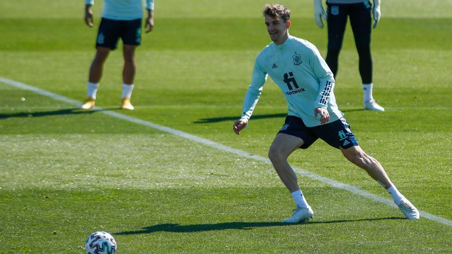 Diego Llorente da negativo en un tercer test y se queda a un paso de la Eurocopa