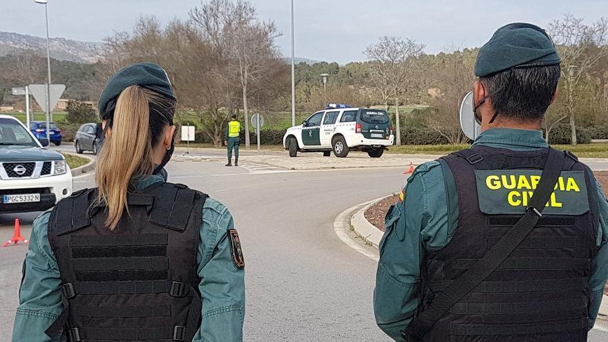 Dos detenidos por la Guardia Civil por vender droga al menudeo