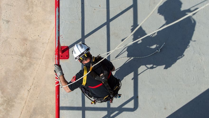 La reactivación económica frena la caída de la siniestralidad laboral