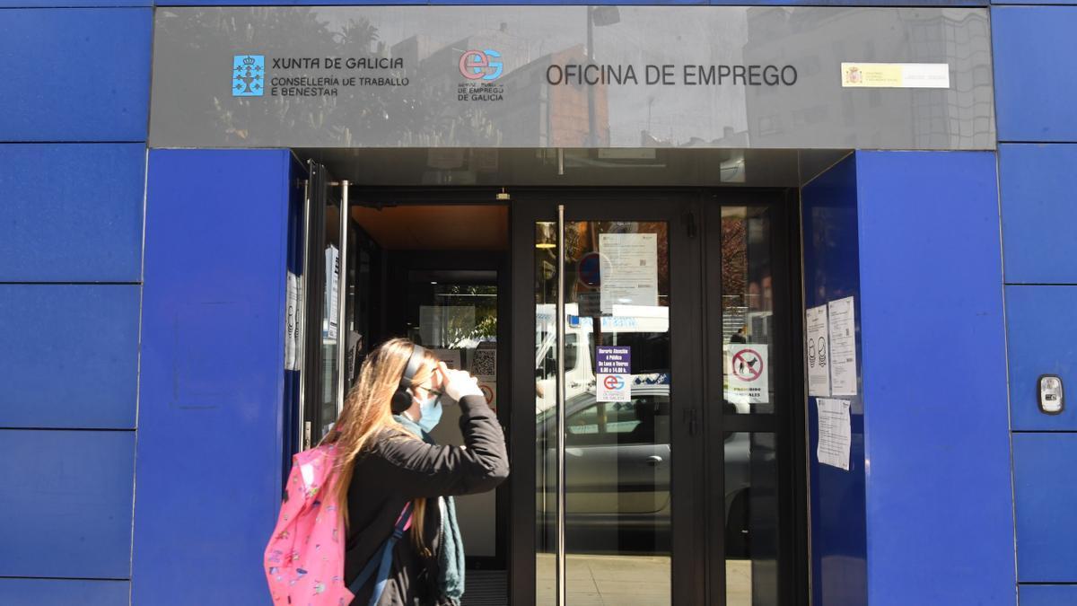Oficina de los servicios públicos de empleo en la calle Orillamar de A Coruña.