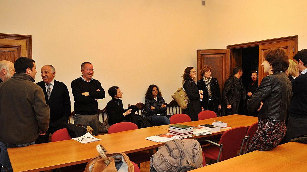 Una asamblea de procuradores en Pontevedra.