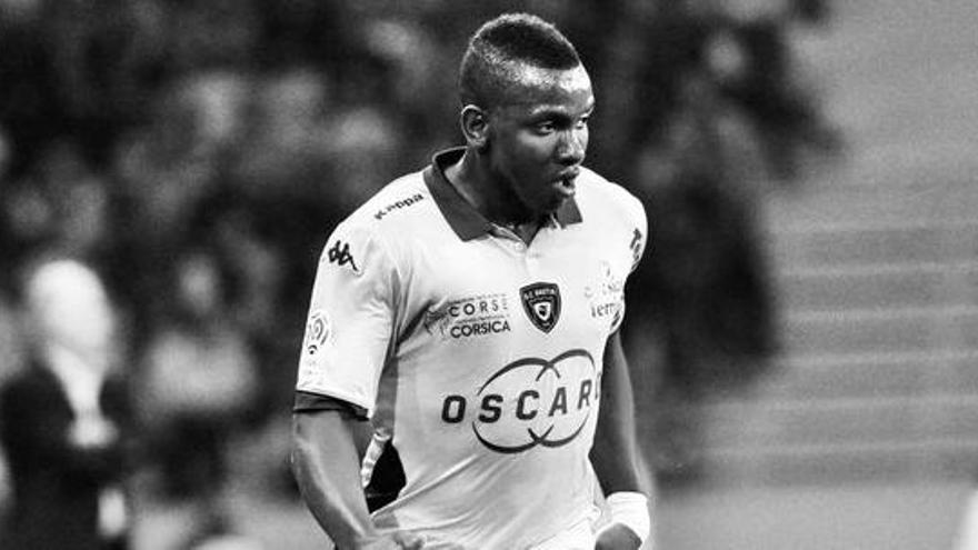 Muere a los 30 años de un paro cardíaco el futbolista Christopher Maboulou