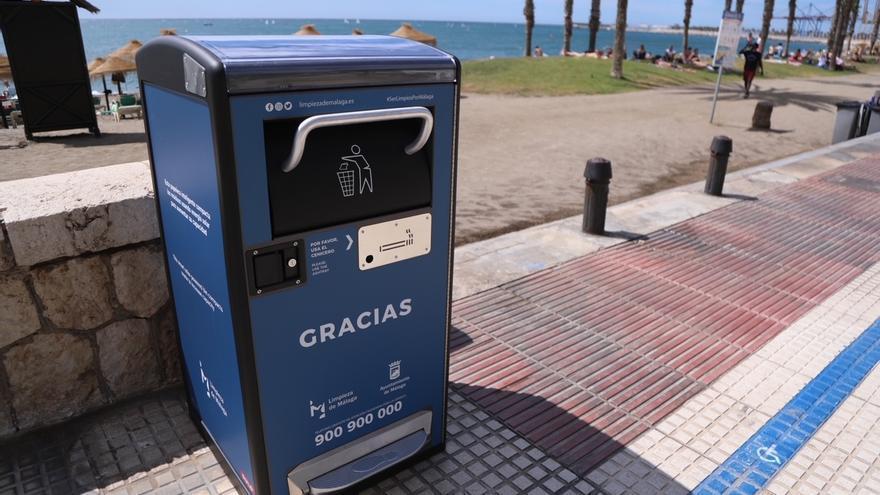 Málaga instalará cien papeleras solares que reducen la frecuencia de recogida y sus costes