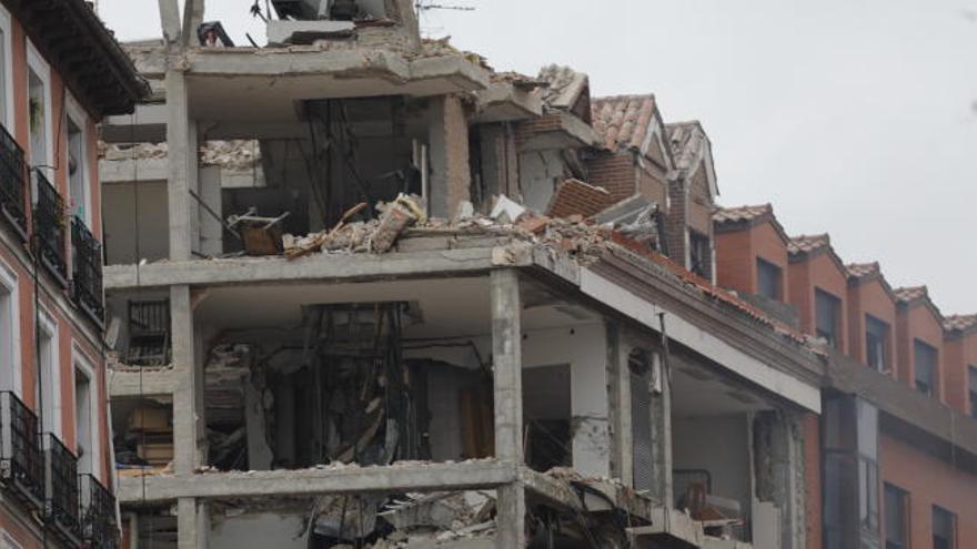 Aumentan a cuatro los muertos en la explosión de gas de un edificio en el centro de Madrid