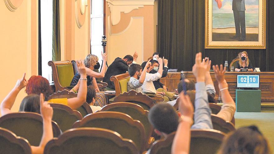 Marco afirma que el Ayuntamiento hace «todo lo posible» para salvar los chiringuitos de Castelló