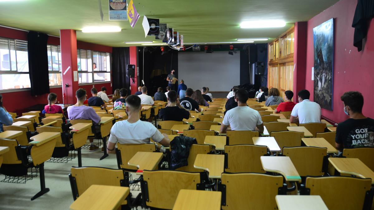 Una de las aulas del María Soliño, en la presentación del alumnado de hoy.