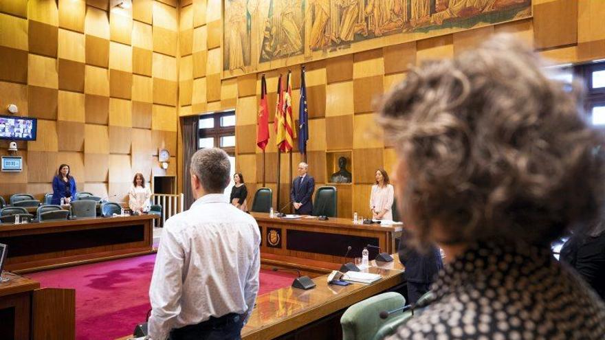 Pleno del Ayuntamiento y firma del dictamen para hacer frente a la crisis social