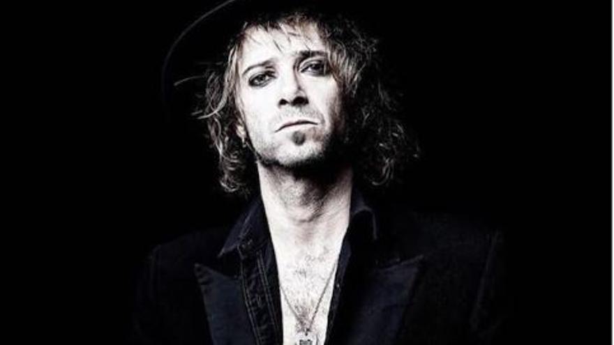 Álvaro Suite: rock con actitud y sudor en La Polivalente