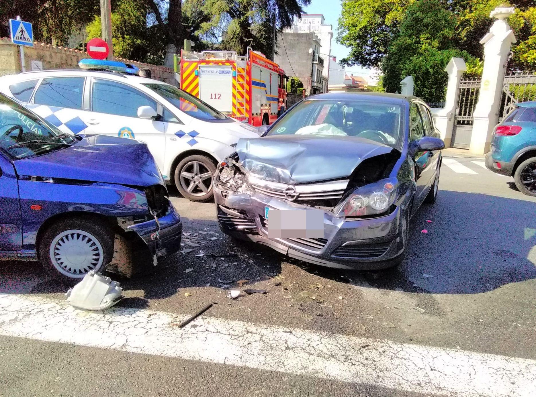 Varios heridos en un accidente de tráfico registrado esta tarde en Oleiros