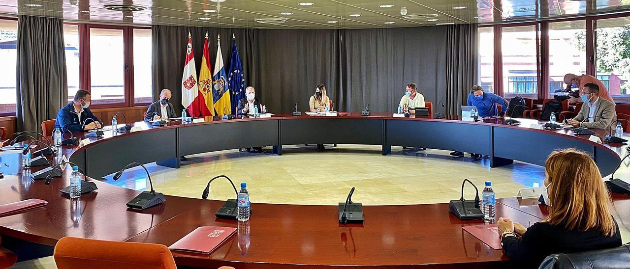 Frente común contra la subida  de las tasas portuarias del Estado