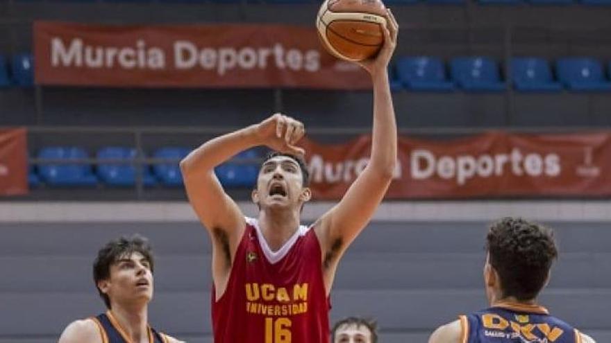 El pívot ilicitano Sergio Mendiola, segundo fichaje del HLA Alicante