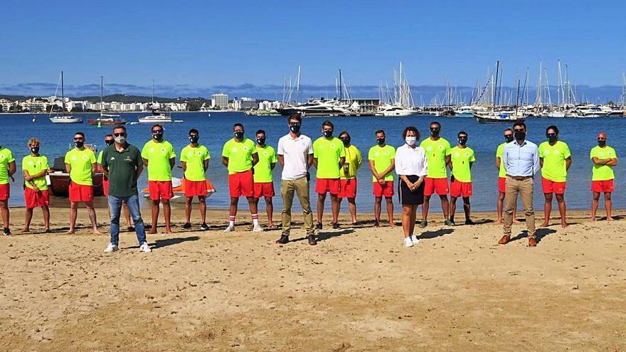 Un socorrista más refuerza la plantilla de salvamento de playas de Sant Antoni