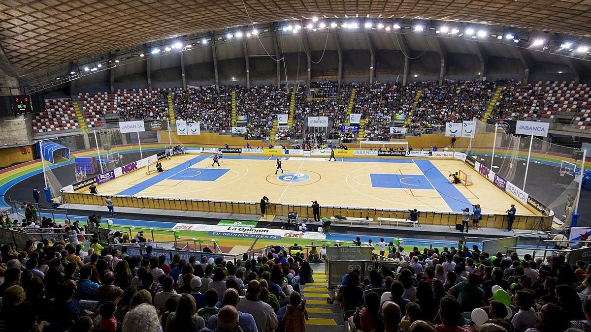 El Palacio de los Deportes de Riazor, lleno para el Liceo-Barcelona de la temporada pasada. |  // CASTELEIRO/ROLLER AGENCIA