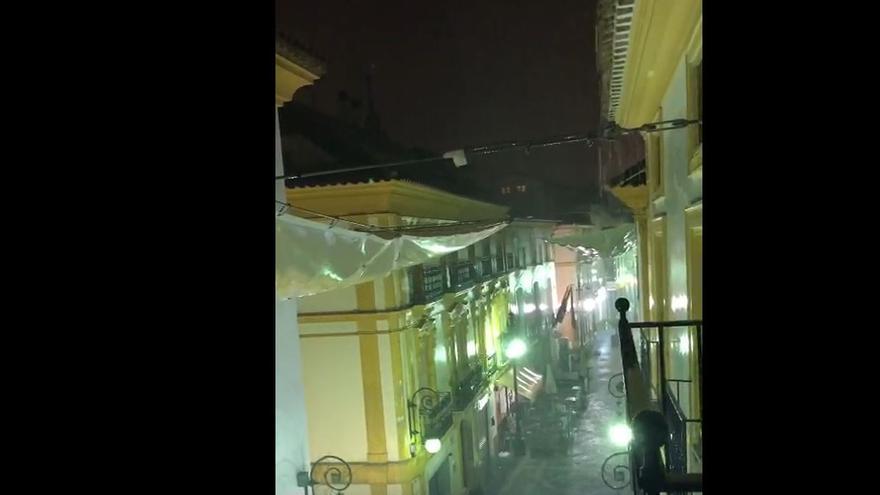 La lluvia en Lorca, desde una casa de La Corredera