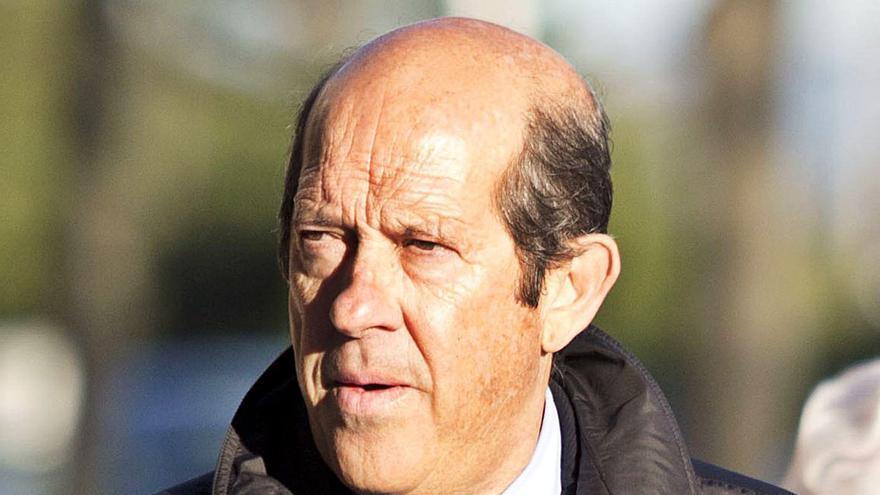 Manuel Llorente pide cita con Peter Lim