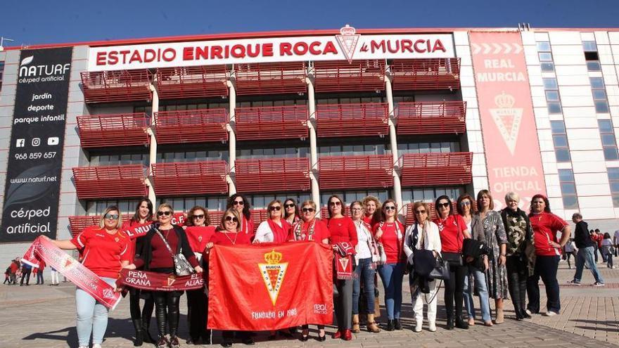 El Real Murcia se sobrepone al canguelo de Adrián Hernández