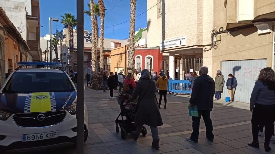 Torrevieja ofrece a personas sin hogar alojarse en hostales durante la borrasca Filomena