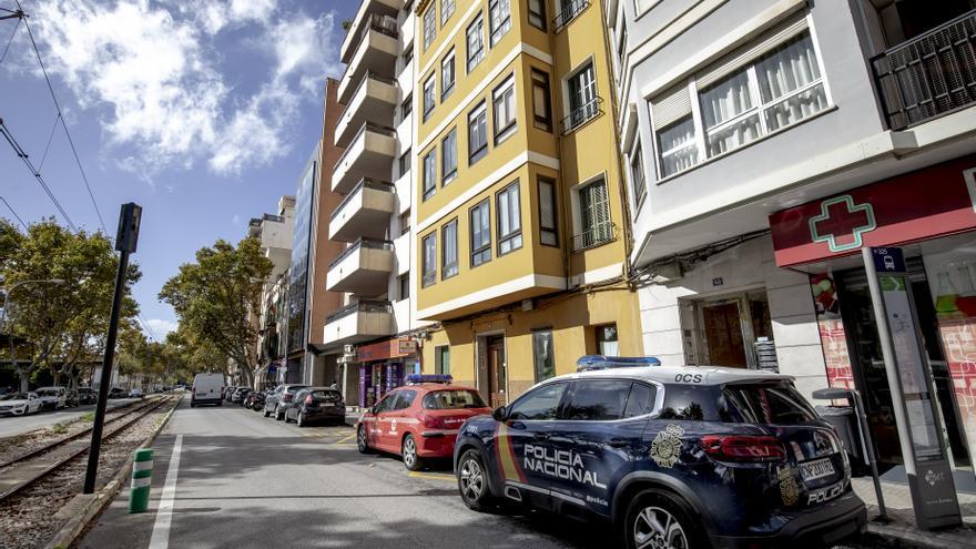 En la calle Joan Crespí se han perdido estacionamientos con la implantación del carril bici.