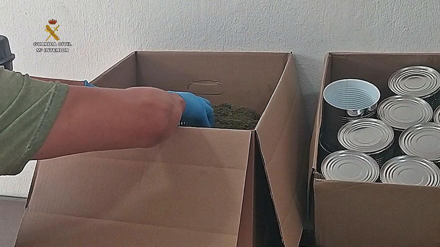 Desarticulan una red que enviaba marihuana enlatada al vacío a Reino Unido