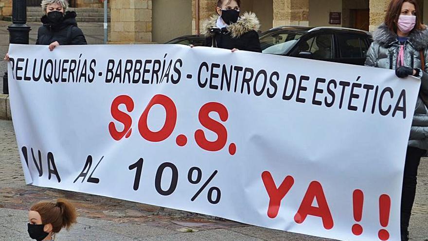 """El gremio de peluqueros y centros de estética de Benavente, """"con la soga al cuello"""""""