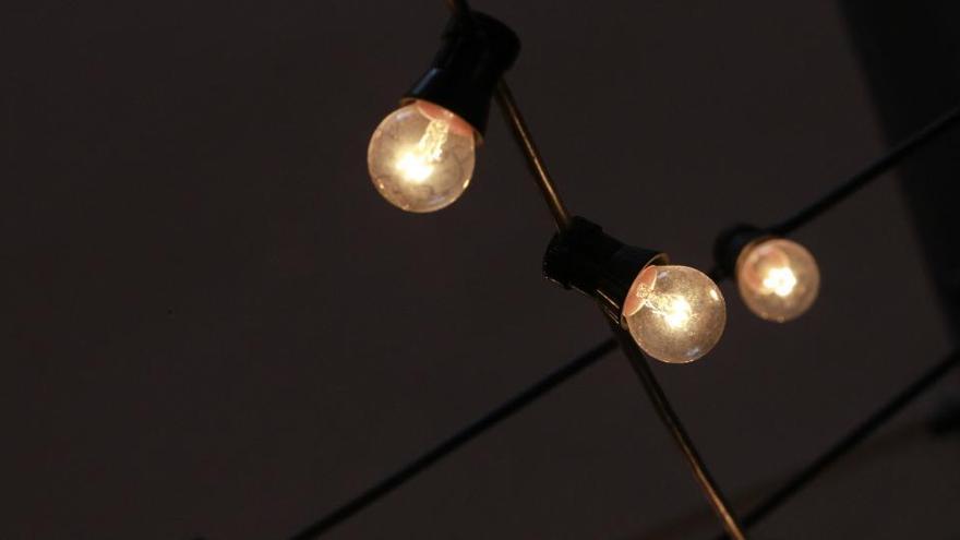 El precio de la luz bajará un 10% este viernes, hasta los 78,42 euros por MWh