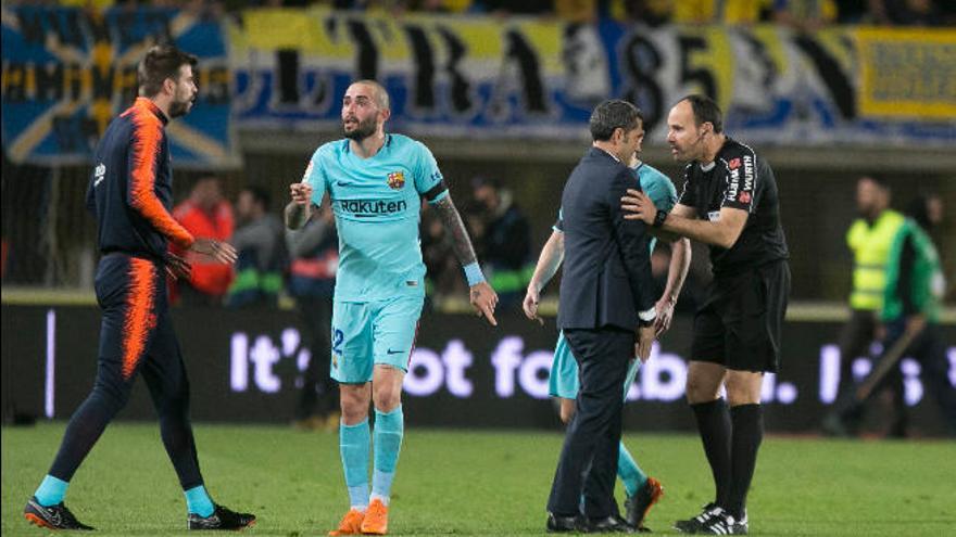 Los periódicos deportivos condenan a Mateu Lahoz