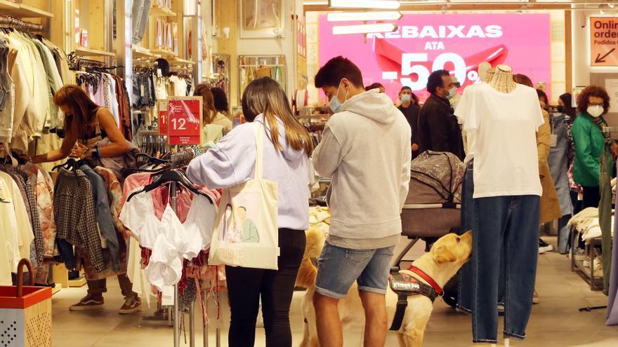 Así encaran los comerciantes de Vigo las rebajas de verano