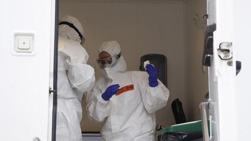 Andalucía registra 628 contagios de covid y la tasa continúa bajando hasta 89,5