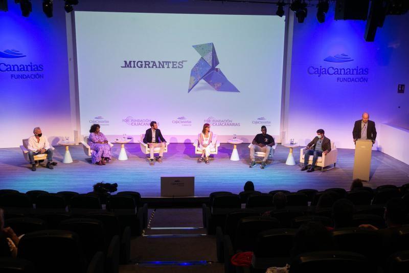 Foro de Migraciones, con Helena Maleno, Javier Bauluz, Teodoro Bondyale y Abubakar Konate