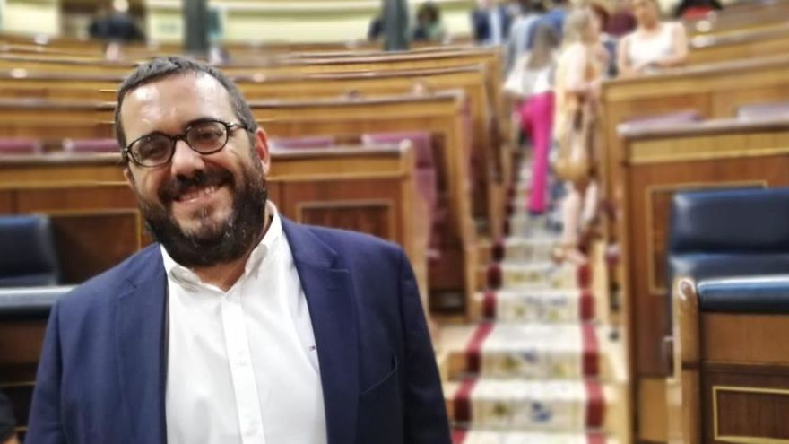 Vidal reprocha al PSOE la incoherencia climática de ampliar el aeropuerto
